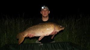 880 kg